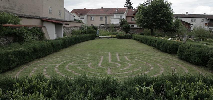 Labyrinth im Klostergarten